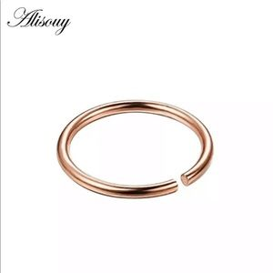 Jewelry - Fake nose ring